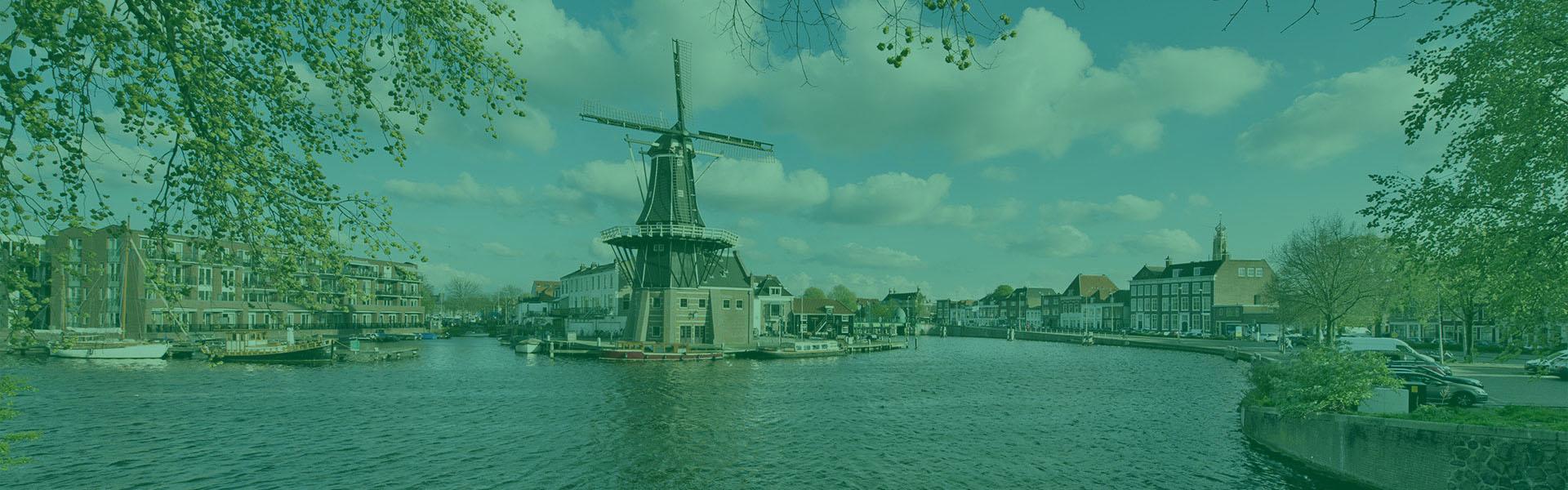 Slider-Overspaern-Makelaardij-Haarlem-en-omgeving-1-groen