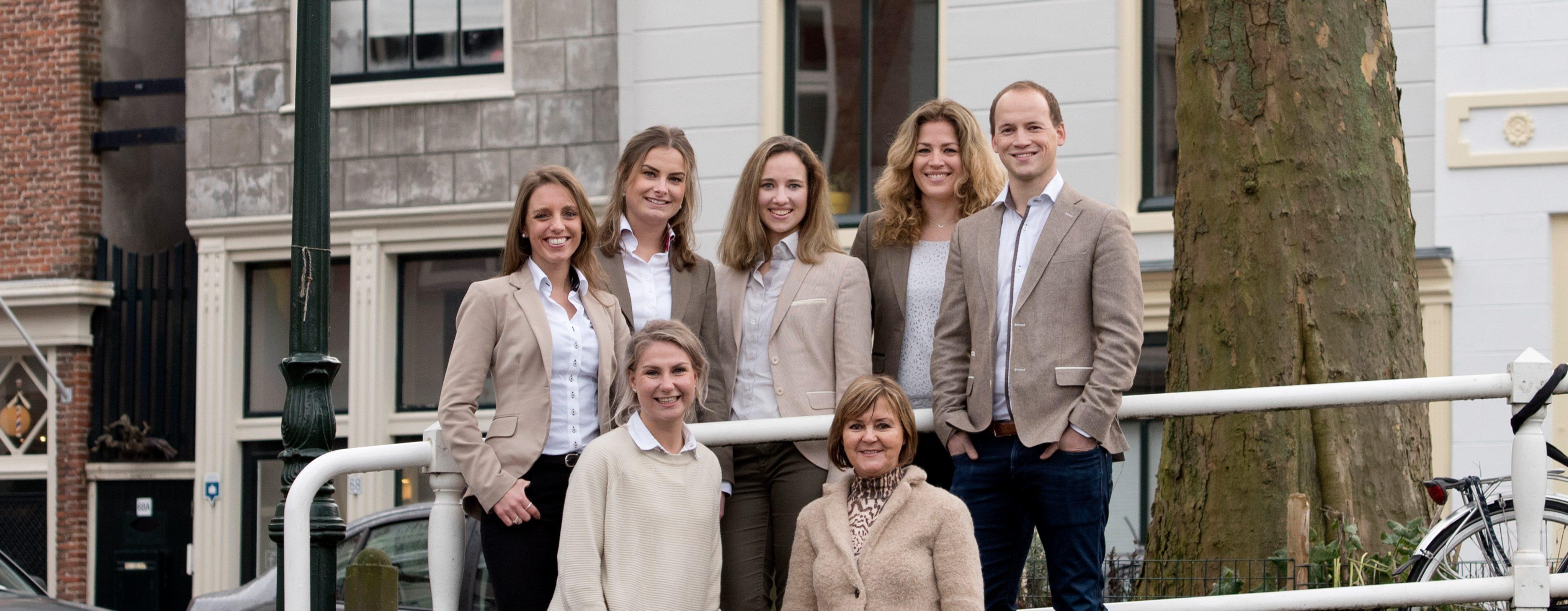 Team-Overspaern-Makelaardij-aankoopmakelaars-Haarlem-en-omgeving-voorgevel-makelaardij