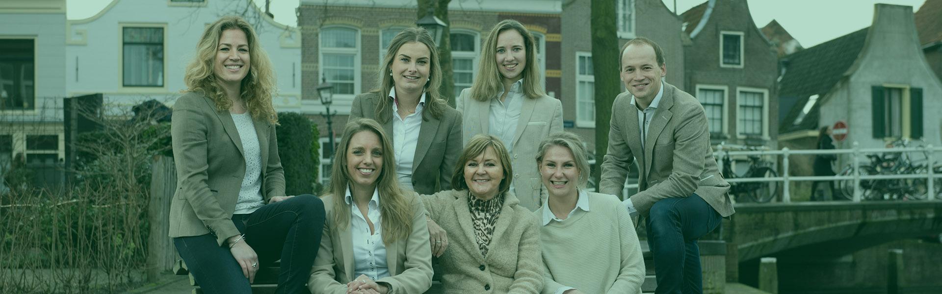 Teamfoto-Overspaern-Makelaardij-aankoopmakelaars-Haarlem-en-omgeving-verkoop-makelaardij-Haarlem-huis-verkopen-4